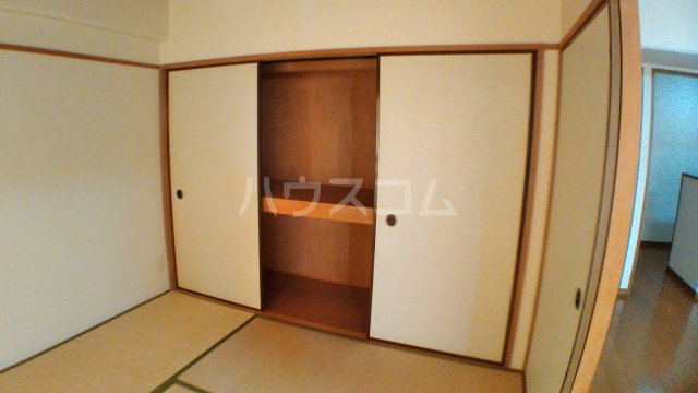 Lumiere Yagasaki 306号室の収納
