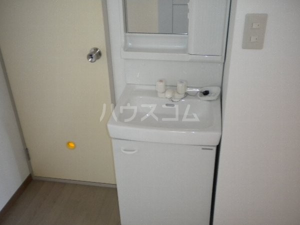 フラットKATO 206号室の洗面所