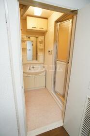 リバティ府中 102号室の洗面所