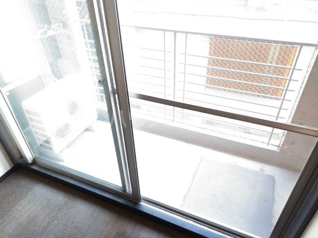 メインステージ多摩川駅前 408号室のバルコニー