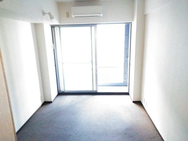 メインステージ多摩川駅前 408号室の居室