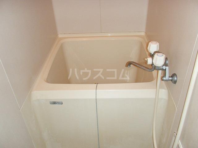 T.H.E.フォートクワハラ 301号室の風呂