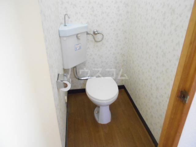 ファミーユ落合 303号室のトイレ