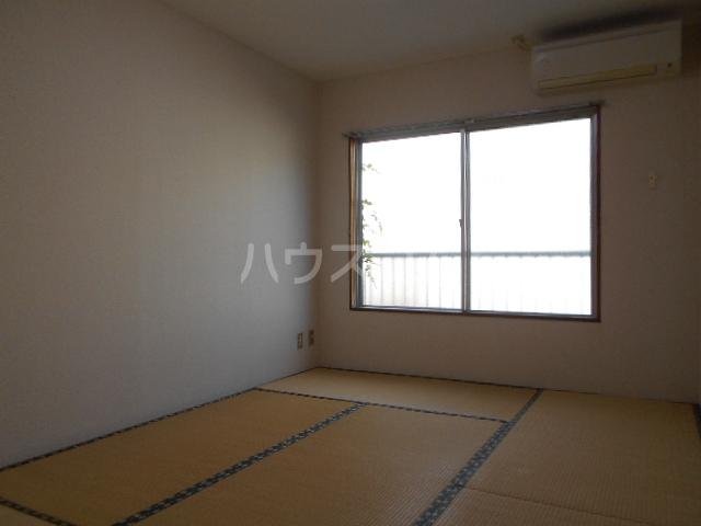ファミーユ落合 303号室の居室