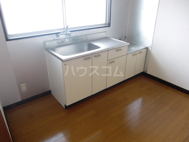 小柳マンション 205号室のキッチン