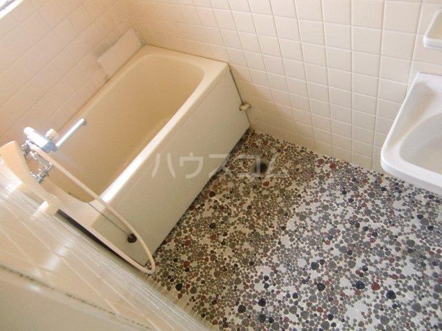 小柳マンション 205号室の風呂