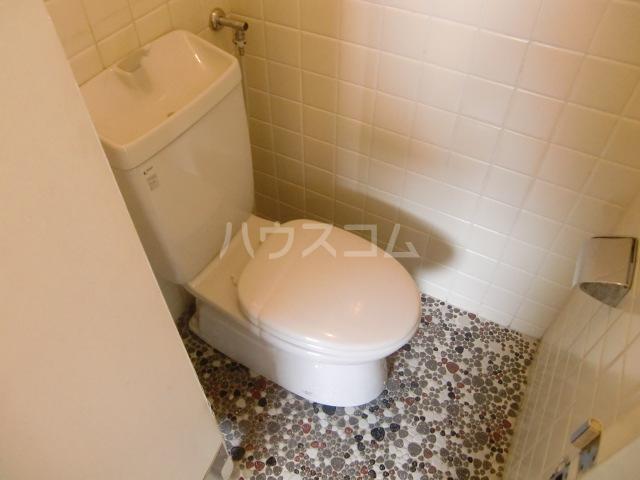 小柳マンション 205号室のトイレ