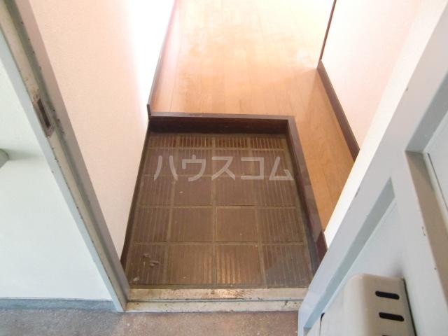 小柳マンション 205号室の玄関