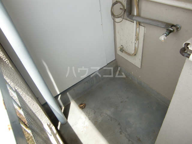 小柳マンション 205号室のバルコニー