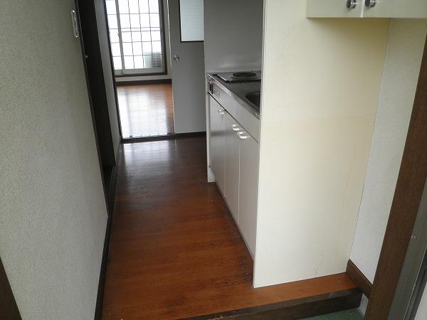 ブロントハウス 202号室の玄関