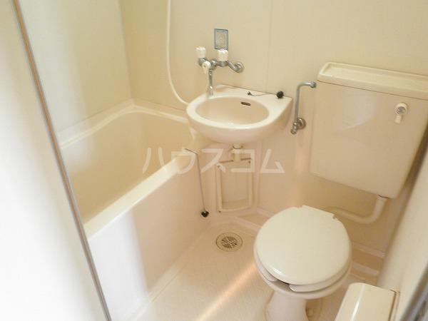 ブロントハウス 202号室の洗面所