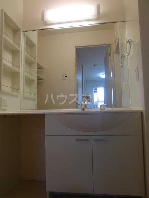 ベルファースト清水が丘2 103号室の洗面所