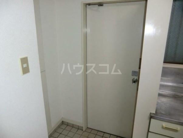 ベアーズハイム 206号室の玄関