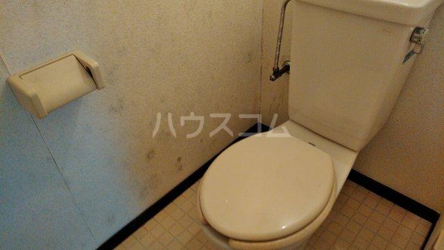 メゾン多摩 403号室のトイレ