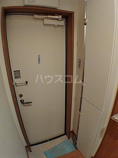 ファインミル調布 104号室の玄関