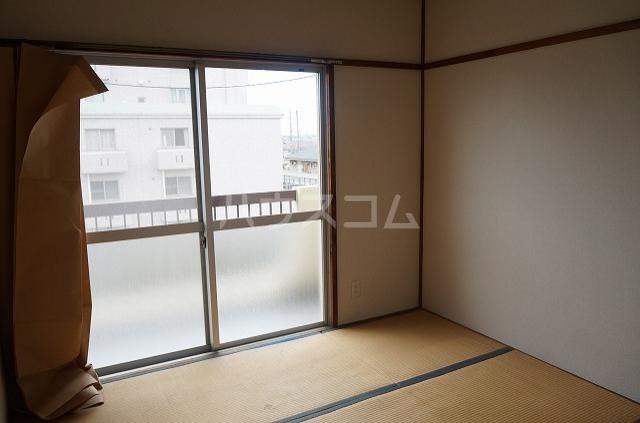 セブンハイツ 301号室のベッドルーム