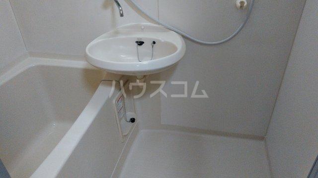 ロウエル調布 105号室の風呂