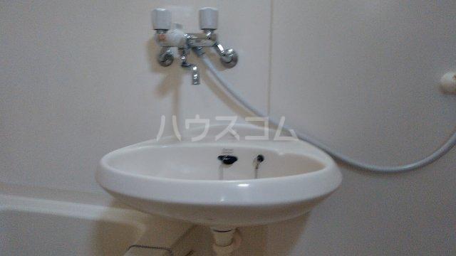 ロウエル調布 105号室の洗面所