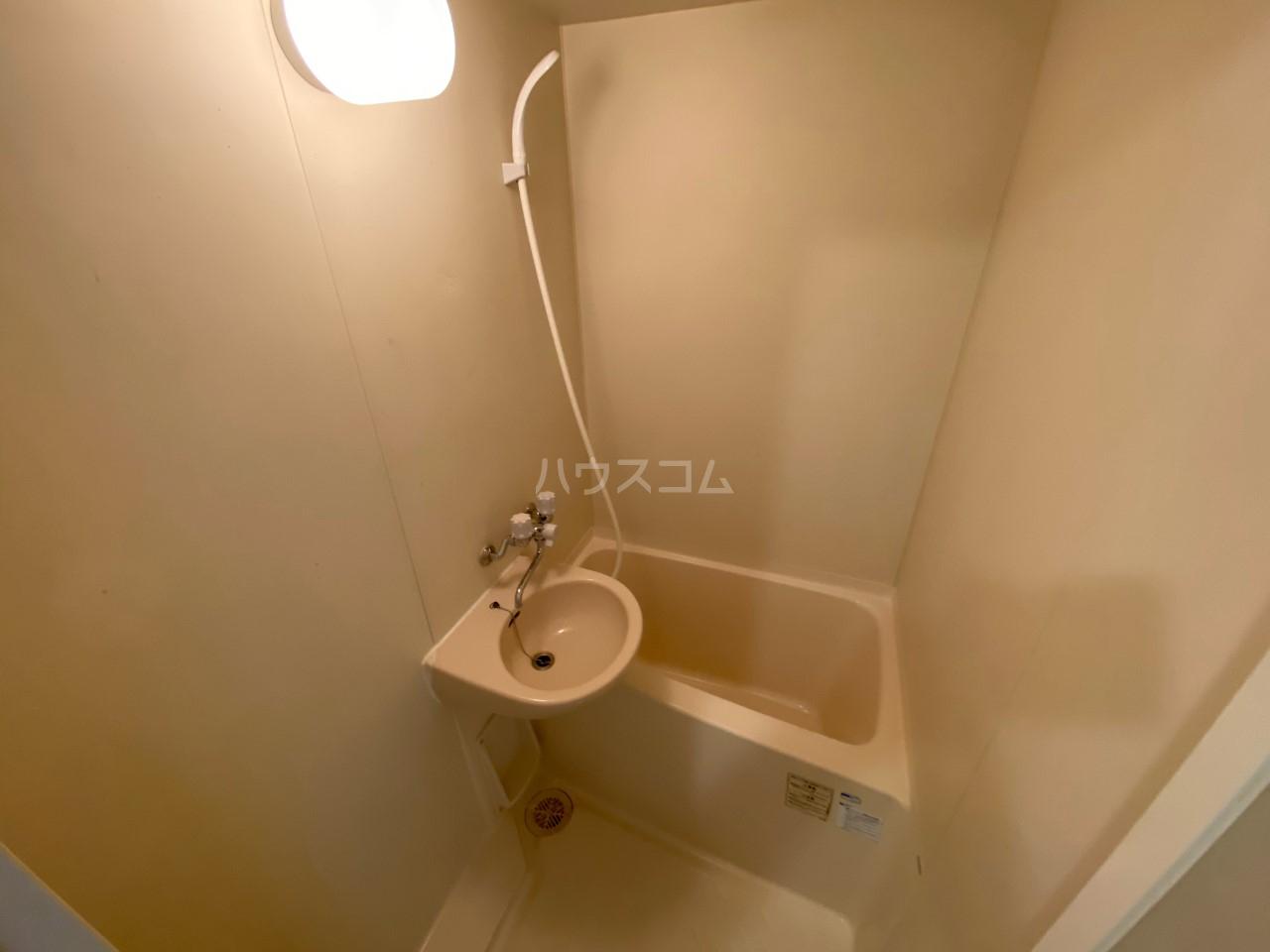 HI-CUBE 107号室の風呂