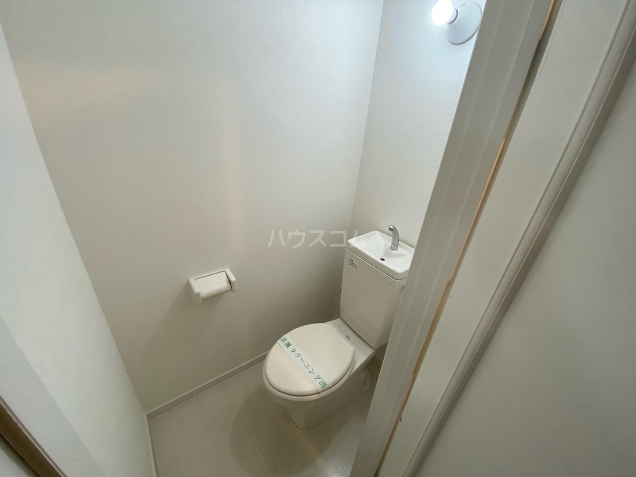 HI-CUBE 107号室のトイレ