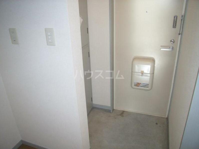 玉川コーポ 202号室の玄関