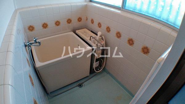 第2カネマツコーポ 201号室の風呂