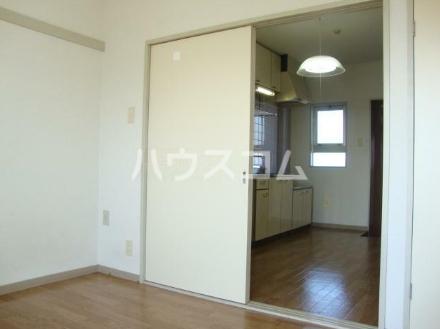 コーポ田中 302号室のリビング