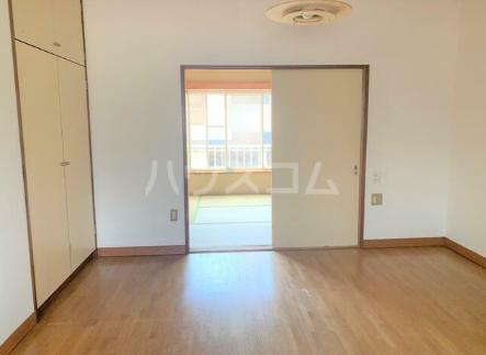 斎藤荘 202号室のベッドルーム
