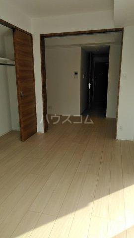 ラフィスタ調布多摩川 303号室のリビング