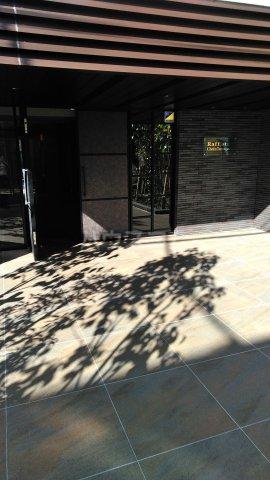 ラフィスタ調布多摩川 303号室の駐車場