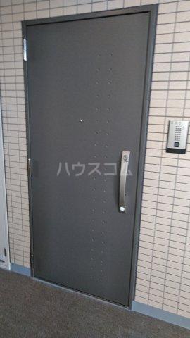 ラフィスタ調布多摩川 303号室の玄関