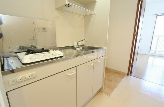 ラ メゾン飛田給 403号室のキッチン