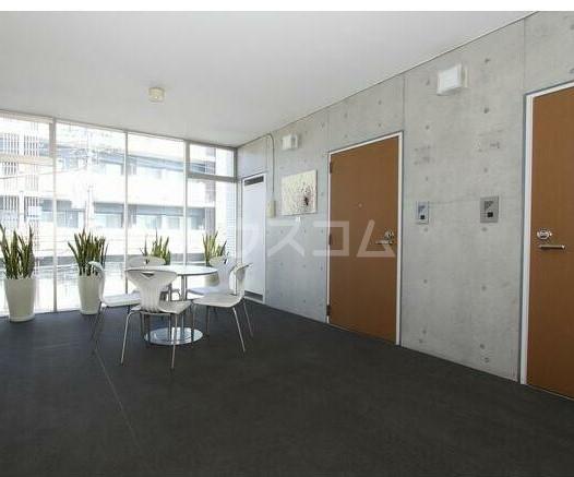 ラ メゾン飛田給 403号室の玄関