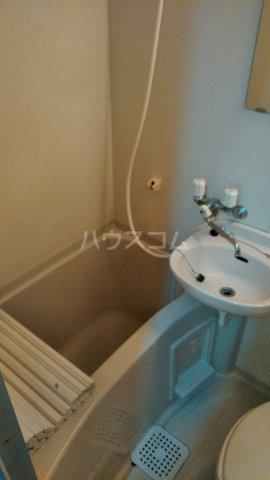 ペルレ五十嵐 301号室の風呂
