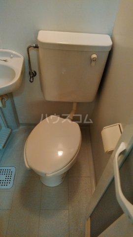 ペルレ五十嵐 301号室のトイレ
