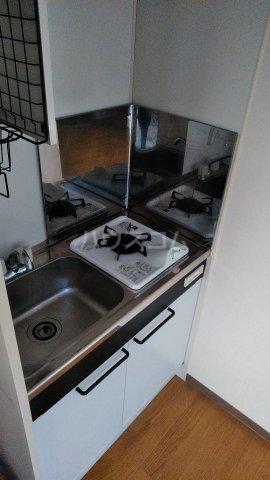 ペルレ五十嵐 301号室のキッチン