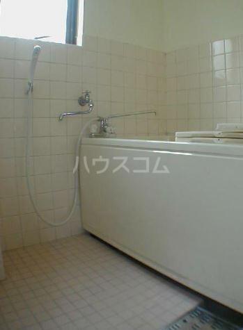 サンヴィレッヂノムラ 204号室の風呂