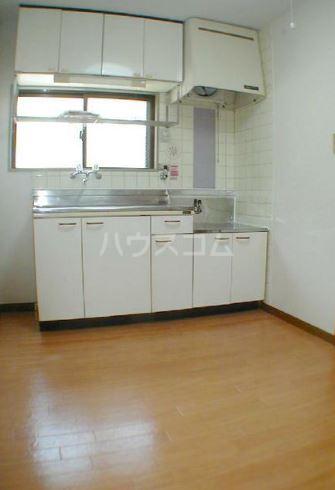 サンヴィレッヂノムラ 204号室のキッチン