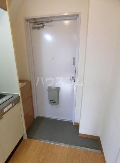 渡辺ハイツ 301号室の玄関