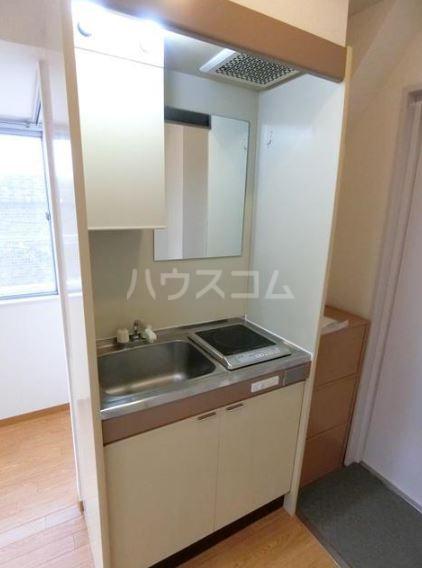 渡辺ハイツ 301号室のキッチン