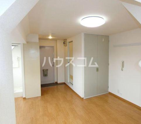 渡辺ハイツ 301号室のリビング