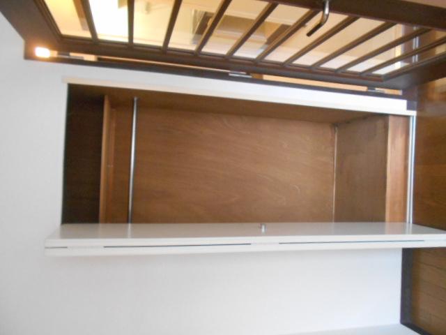 レジデンスオークラ C204号室の収納