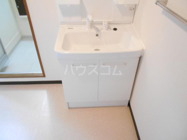 グランビュー嵐山 403号室の洗面所