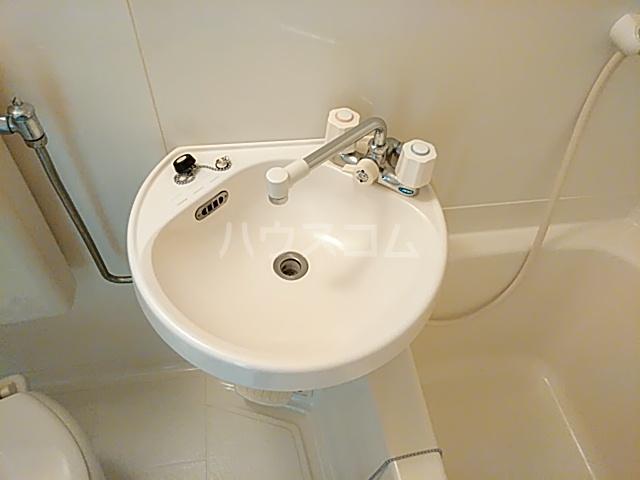 ラポール 105号室の洗面所