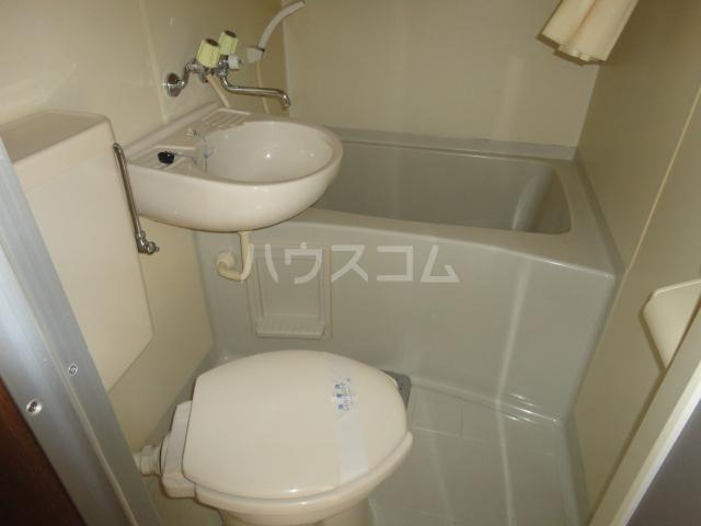 ファロス 202号室の風呂