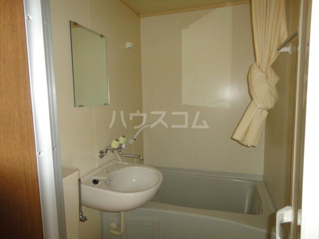 ファロス 202号室の洗面所