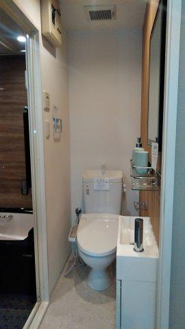 レナジア和泉府中 402号室の洗面所