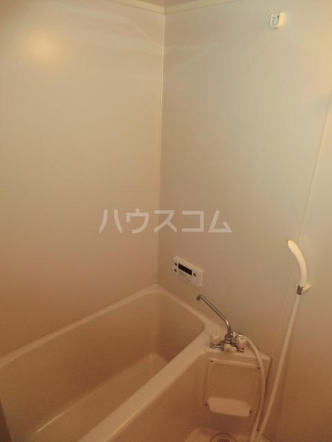 サープラスワン前西 102号室の風呂