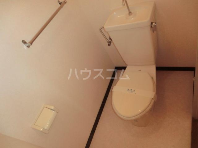 サープラスワン前西 102号室のトイレ