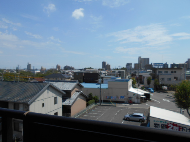 グリーンシティ岩倉 301号室の景色